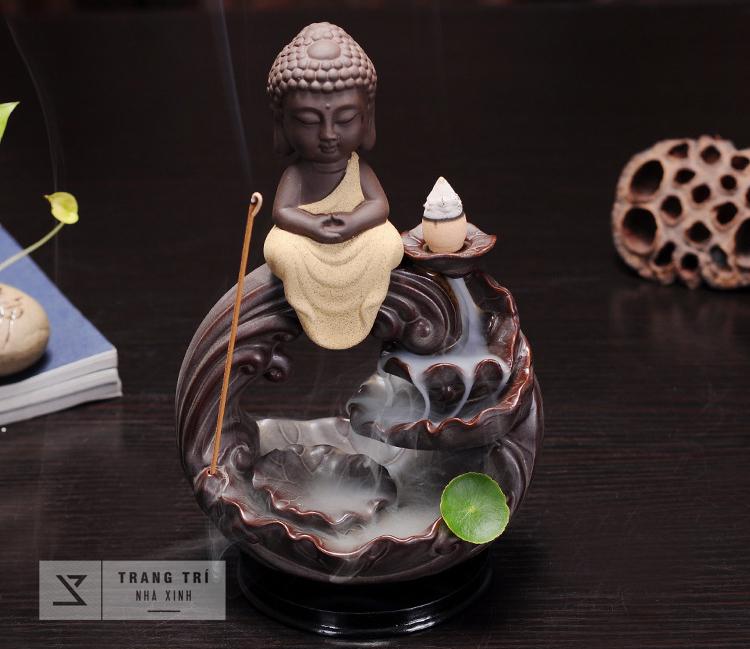 Thác Khói Trầm Hương Phật A Di Đà toạ thiền